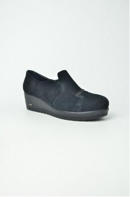 Туфлі на платформі великих розмірів