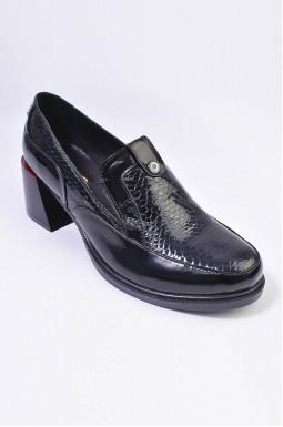 Туфли на каблуке лаковые больших размеров