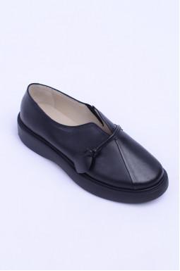 Зручні шкіряні туфлі з прикрасою велких розмірів