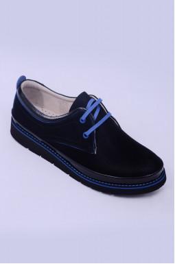 Туфлі закриті з кольоровими шнурками великих розмірів