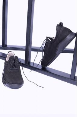 Удобные закрытые туфли на шнуровке больших размеров