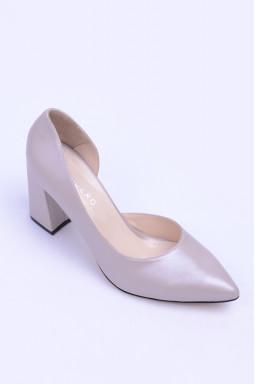 Туфлі на підборах з натуральної шкіри великих розмірів
