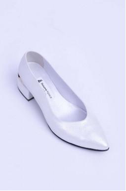 Стильні шкіряні туфлі на підборах великих розмірів