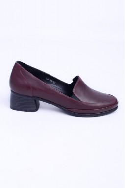 Закриті шкіряні туфлі бордо великих розмірів