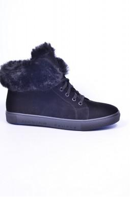 Стильные замшевые ботинки