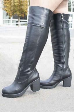Ботфорты кожаные зимние на каблуках больших размеров