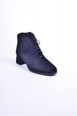 Ботинки замшевые на каблуках больших размеров