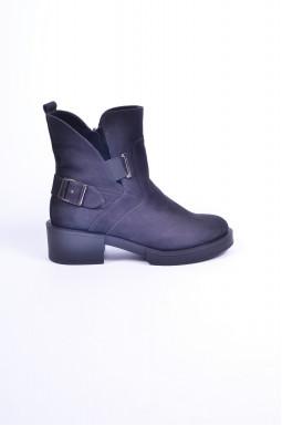 Ботинки на каблуке больших размеров